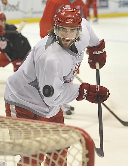 Wings practice before heading to San Jose