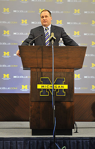 U-M introduces 2010 football recruits