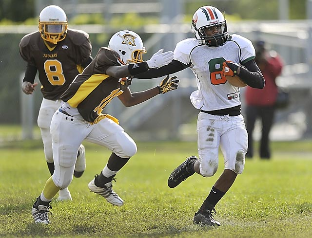 Henry ford high school takes on detroit douglass sports photo gallery detnews com