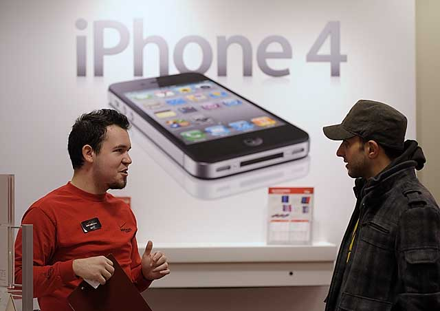 iPhone 4 sold by Verizon Wireless | NEWS Photo Gallery | DETNEWS.COM