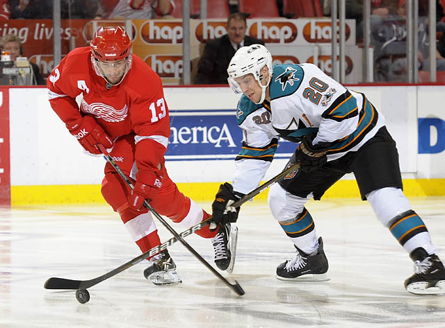 Red Wings fall to the Sharks 4-3