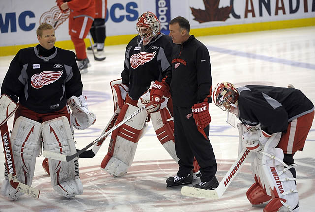 Wings, Sharks practice for Game 4