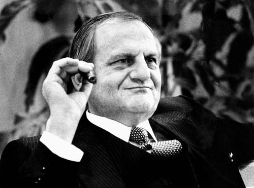 the historical background of lee iacocca Iacocca: the man to blame if you were interested in finding a culprit for the deluge of bad news that has engulfed american business and brought the stock market crashing down, the name of lee iacocca would probably not be high on your list of suspects.