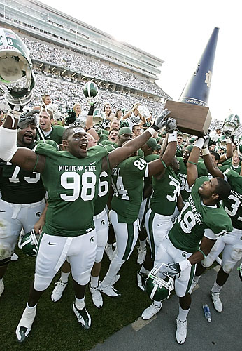 http://multimedia.detnews.com/pix/sports/2008/msu/092008-NDvMSUftbl/0005.JPG