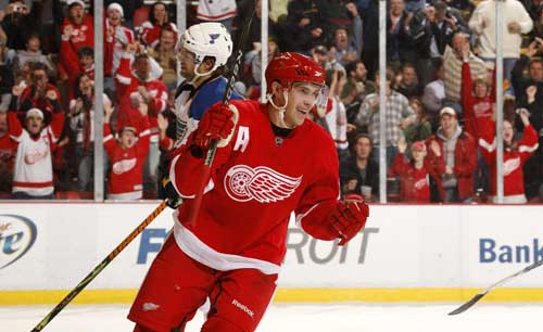 Detroits Pavel Datsyuk celebrates his goal in the second period.